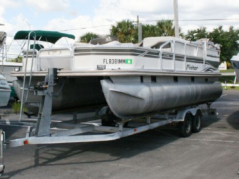 2002 Fisher Freedom 220 Deluxe Fish