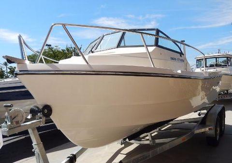 2015 Arima Sea Chaser 19