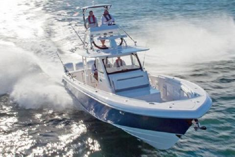 2018 Everglades 435 Center Console Manufacturer Provided Image