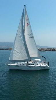 2006 Catalina 350 UNDER SAIL