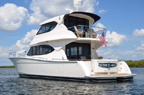 2009 Maritimo M48 Enclosed Bridge