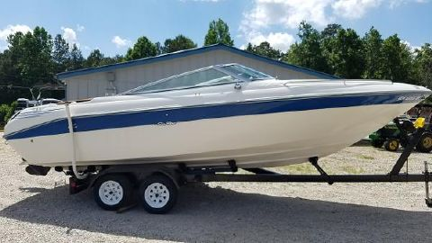 1993 SEA RAY 240 Bow Rider