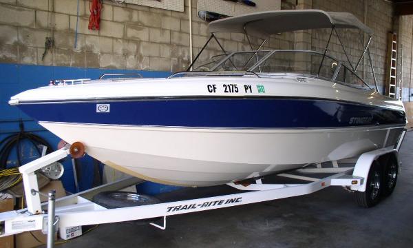 2004 Stingray 220 LX