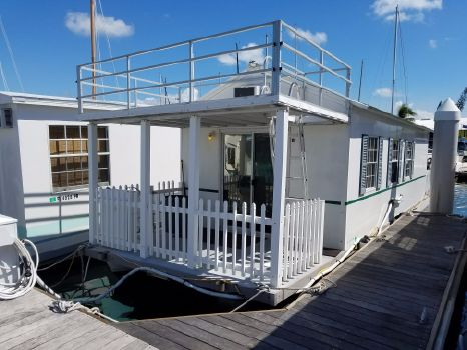 2008 Catamaran Cruisers Aqua Lodge