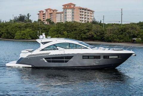 2016 Cruisers Yachts 60 Cantius Profile