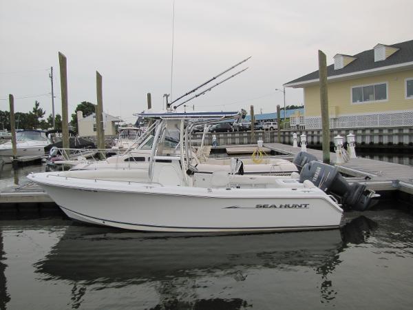 2010 Sea Hunt 220 Triton