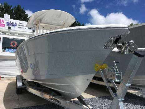 2019 COBIA BOATS 261 Center Console