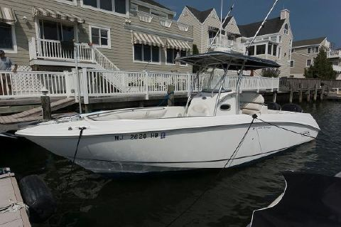 2004 Boston Whaler 270 Outrage Port Side