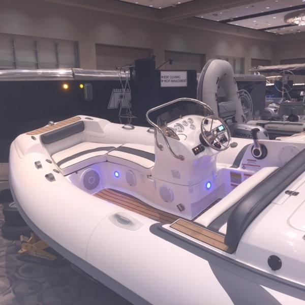 2015 Walker Bay LOADED EXTRAS Generation 450