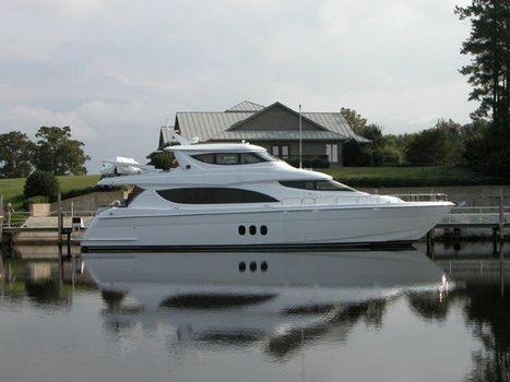 2005 Hatteras Motor Yacht