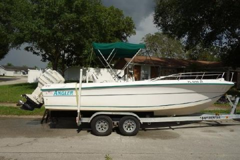 1997 ANGLER BOATS 23 CENTER CONSOLE