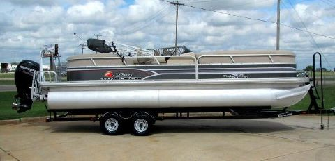 2015 TRACKER 24 Party Barge DLX