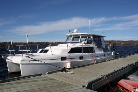 2001 Endeavour Catamaran 36 Powercat