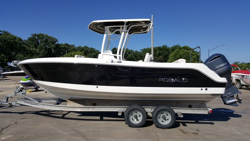 2016 Robalo R242 24 Foot 2016 Motor Boat In Green Bay Wi