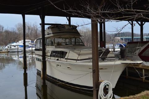 1987 Chris-Craft 410 Constellation 1987 CHRIS-CRAFT CONSTELLATION 410 - Starboard