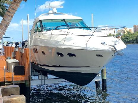 2010 Sea Ray 450 Sundancer Sea Ray 450 On Lift