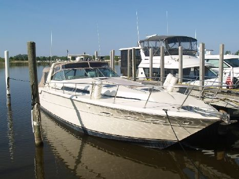 1986 Sea Ray 460 Express Cruiser