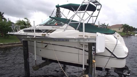1998 Chaparral 270 Signature On lift