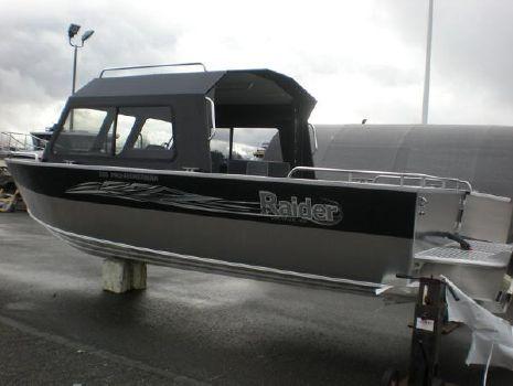2018 Raider Pro Fishermen 220