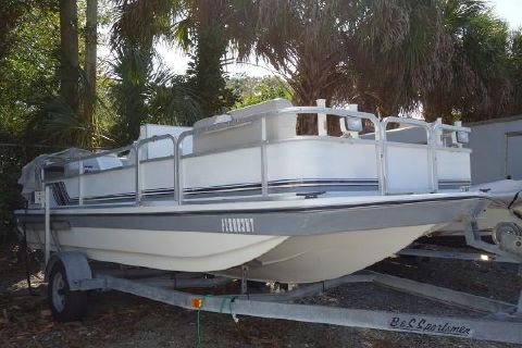 1990 HURRICANE 196 FUNDECK