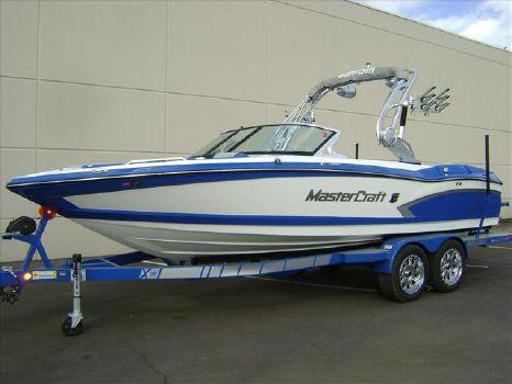 2015 Mastercraft Wakeboarding Boat X30