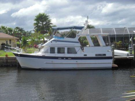 1988 Marine Trader 40 Sundeck