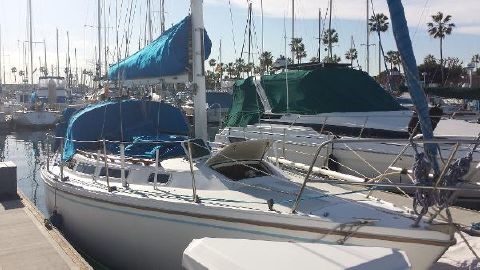 1985 Catalina 30 Starboard Side