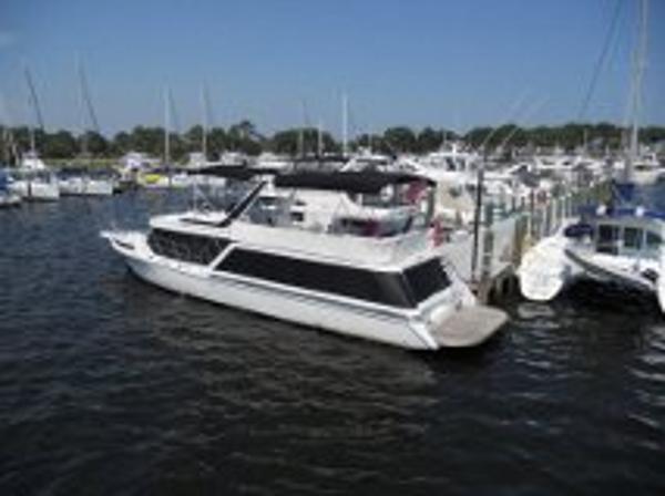 1989 Bluewater Yachts Coastal Cruiser 55