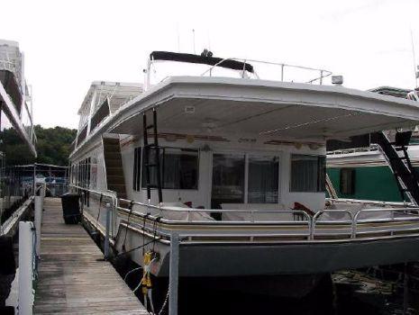 2005 Fantasy Houseboat Houseboat 18 X 90