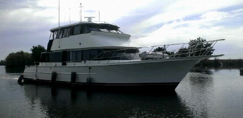 1989 LA Conner skylounge yachtfisher