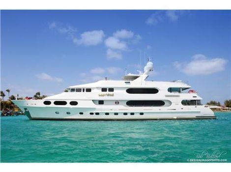 2008 Christensen Yachts TRI-DECK
