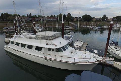 1986 Hatteras 85 Motor Yacht