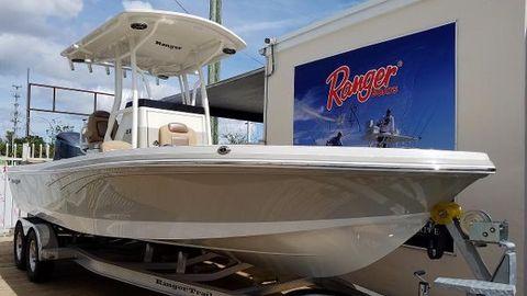 2017 Ranger 2350 Bay Ranger