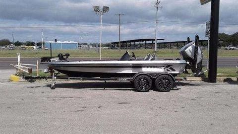 2017 Legend Boats V20