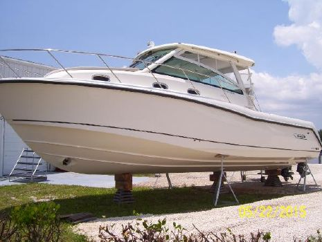 2014 Boston Whaler 345 Conquest