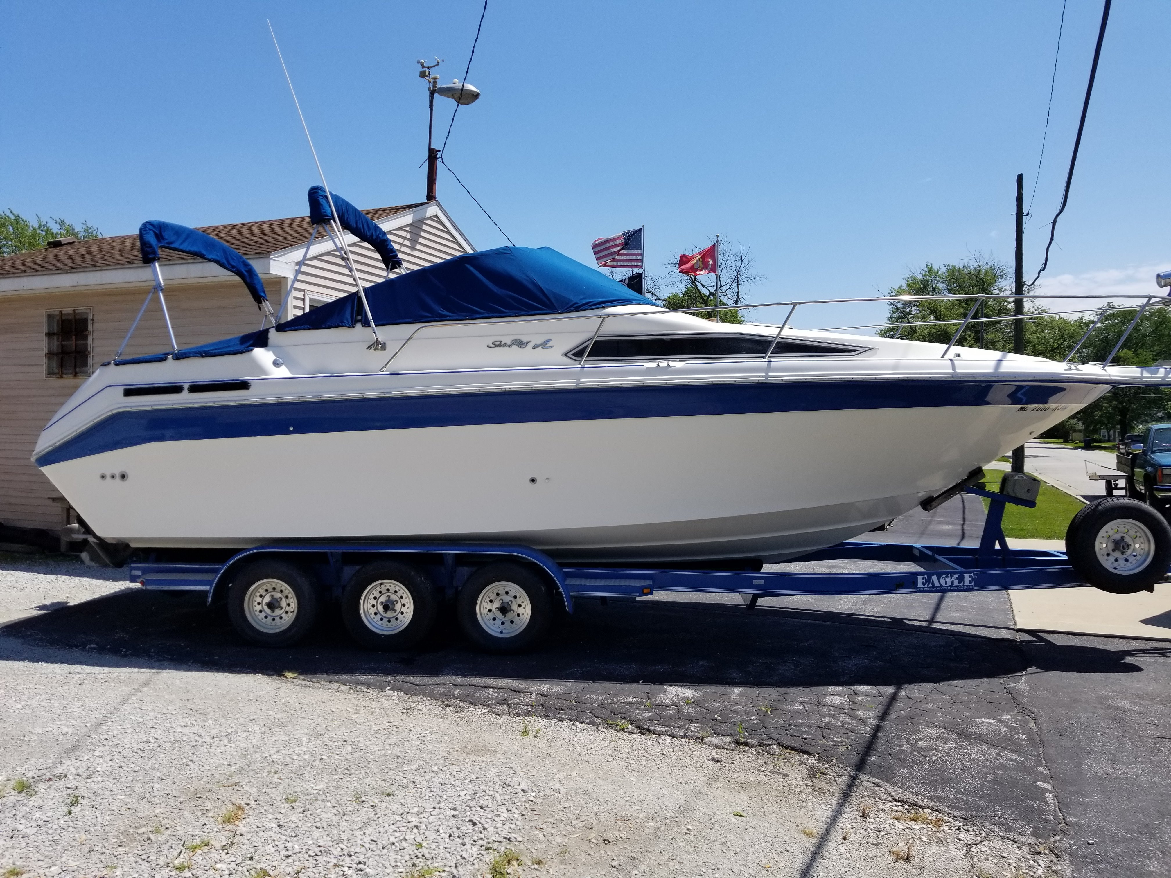 Check out this 1992 SEA RAY 270 Sundancer on Boattrader com