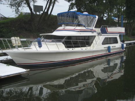 1986 Bluewater Yachts 52 Bluewater Coastal Cruiser Houseboat