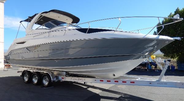 2012 Larson 927 Mid Cabin