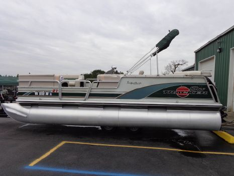 1999 Sun Tracker 21 Party Barge