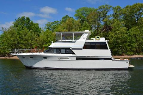 1991 Californian 55 Cockpit Motor Yacht Profile