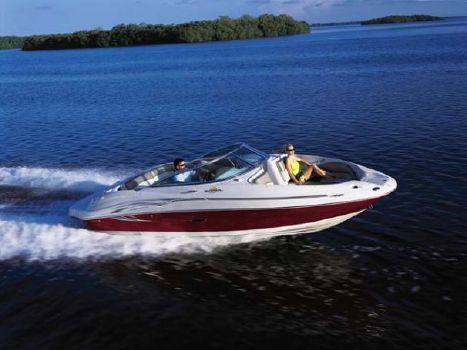 2005 Sea Ray 220 Sundeck