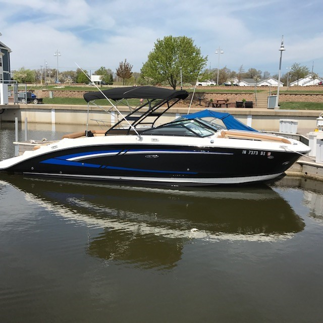 Check out this 2015 SEA RAY 270 Sundeck on Boattrader com
