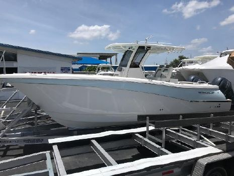 2020 WORLD CAT 280CC-X Center Console
