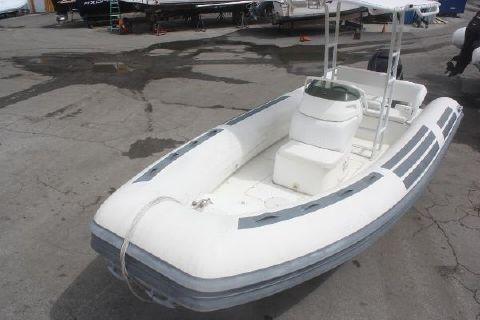 1997 Nautica International 21 Deluxe