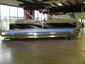 2015 APEX MARINE 822 Qwest RLS Starboard Bar