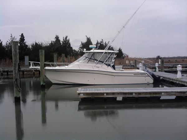 2003 Grady-White 330 Express WA