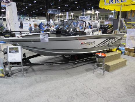2017 Smoker-craft Explorer 182