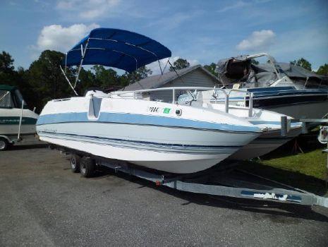 1992 Bayliner Rendezvous Deck Boat