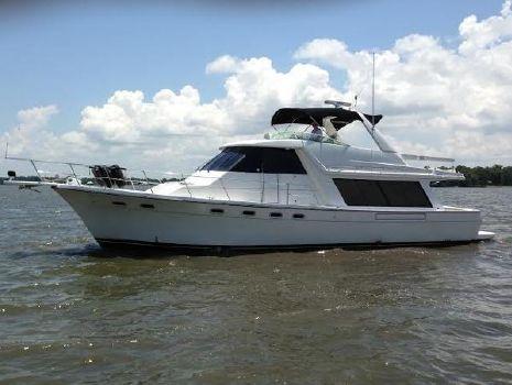 2000 Bayliner 4788 Pilot House Motoryacht Port Profile