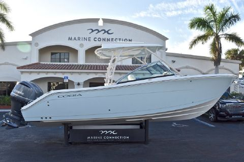 2018 COBIA BOATS 280 DC Dual Console